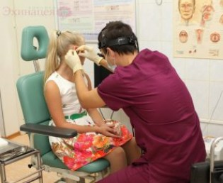 Симптомы и причины грибковых инфекций ушей, миндалин, глотки, носа