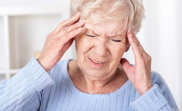 Какими симптомами проявляются опухоли головного мозга?